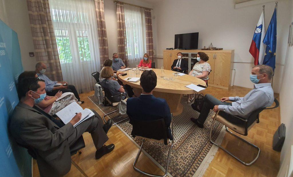 Ministrica s predstavniki organizacij civilne družbe