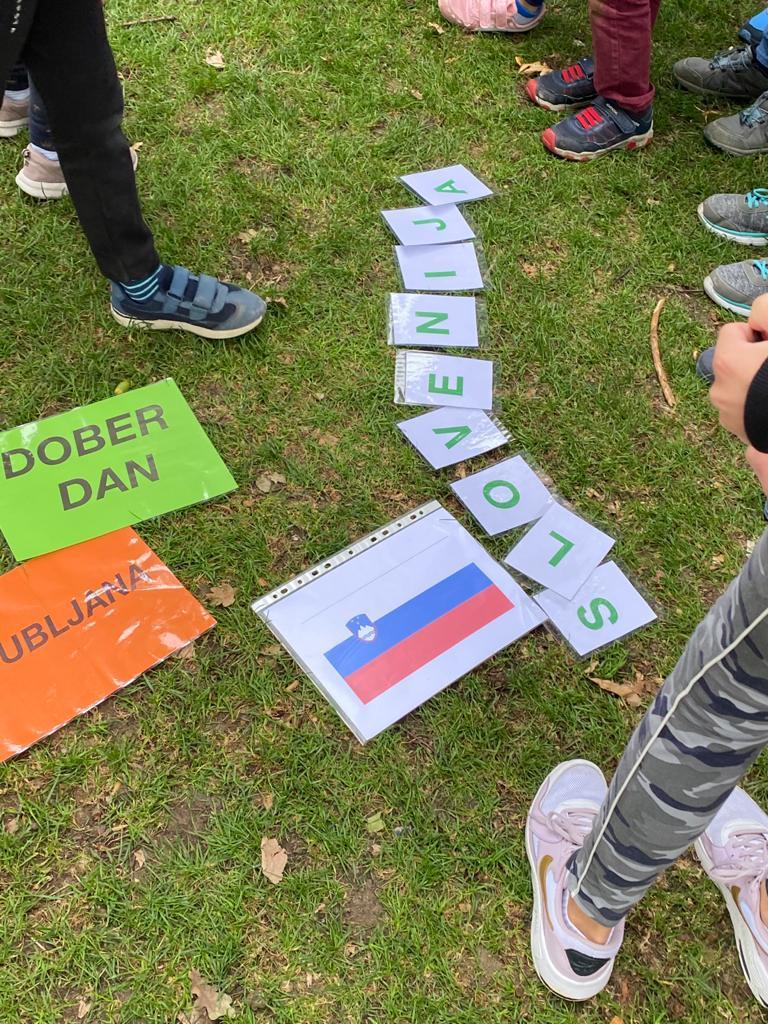 Pripomočki za učenje slovenščine med igro.