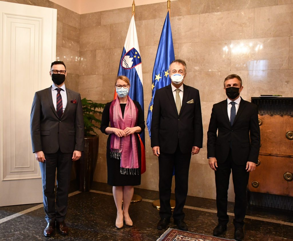 Madžarski veleposlanik Andor Ferenc Dávid, dr. Helena Jaklitsch, Ferenc Kalmaŕ, mag. Stane Baluh.
